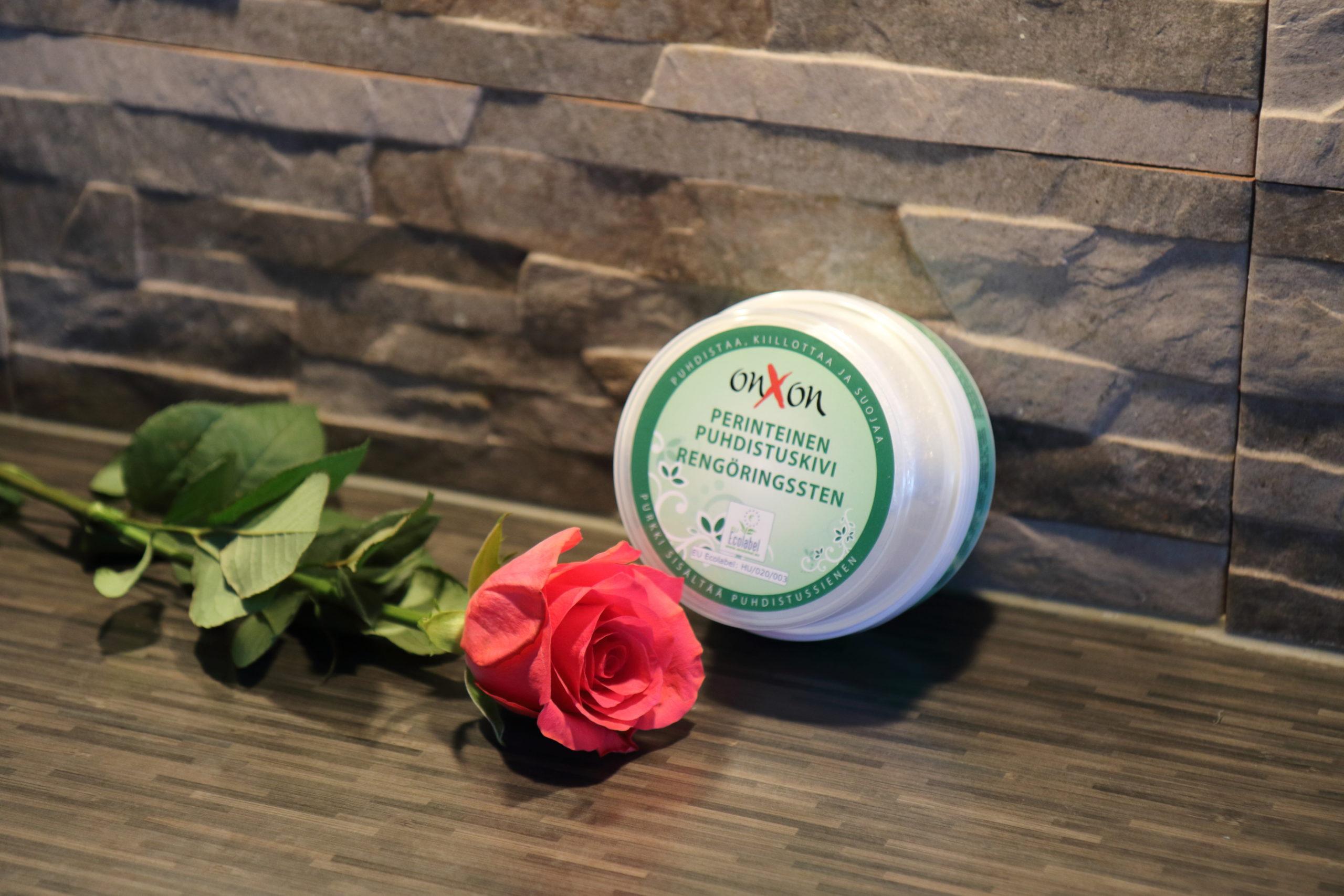 OnXOn Puhdistuskivi ja ruusu